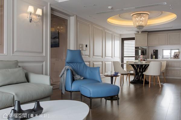 汇禾设计以清浅的白铺述简约舒适感,再将屋主的生活习惯融入其中,勾勒精采绝伦之品味居宅。