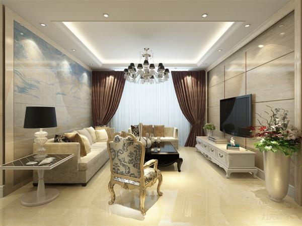客厅采用瓷砖、壁纸、沙发、电视柜等家具都靠墙放置,增加人的活动空间。客厅的采光主要来于阳台,阳台有个很大的窗户,易于通风。