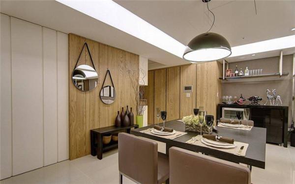 以不锈钢、黑钢烤打造的红酒吧台,是设计师为单身男屋主量身打造的居家享受。当门扉掩上时让客卫浴成为客房的一部分,留宿的亲友也能享受舒适的套房居住感受。