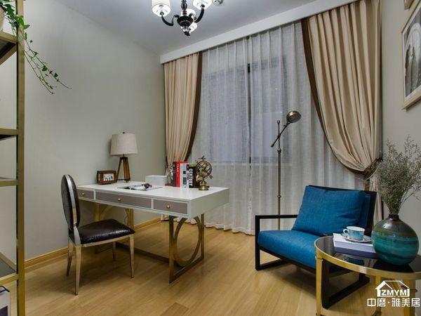 书房是业主经常待的一个房间,简单大方的设计,配上复古的家具别有韵味 ,特别是落地灯,深得业主喜爱。