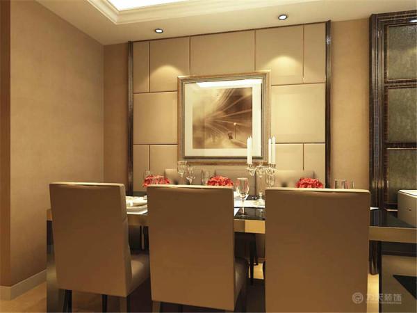 在设计上追求空间变化的连续性和形体变化的层次感,室内多采用带有图案的壁纸、地毯、窗帘(简约欧式风格窗帘的代表花型是大马士革)、床罩、帐幔及古典装饰画,体现华丽的风格,又能很好的体现出整个空间的装修特点