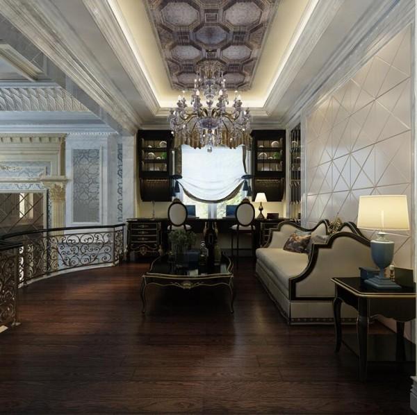 家庭室采用原木地板,充斥着自然的味道,配以精雕细琢,镶花刻金的家具让家庭室别有一番尊贵的感觉。因此,家庭室营造的不仅是舒适感还有华美风。