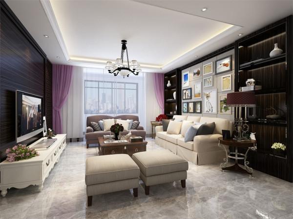 客厅是主人品位的象征,体现了主人品格、地位,也是交友娱乐的场合,本案电视背景墙采用木纹造型,下方放了几组组合装饰,显着非常美观