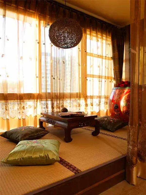 客厅的飘窗。