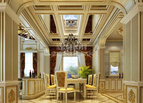 餐厅与客厅相邻,但空间的建筑层高却有很大的差距,为了弥补这种落差,设计师在餐厅的顶面设置了几面银镜,利用镜面的反射效应从视觉上将顶面的范围向上延伸,提升了空间的高度感。。