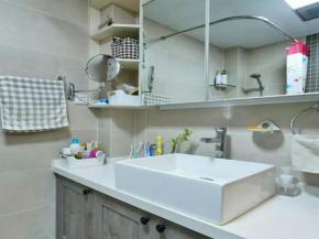 简约 三居 宜家 白领 收纳 小资 客厅 卫生间图片来自沙漠雪雨在70平米温馨舒适宜家小窝的分享