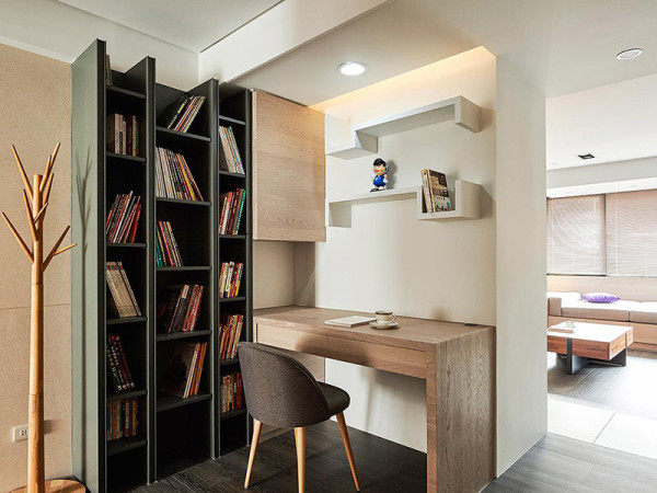 转角的小书房,思考的好地方。