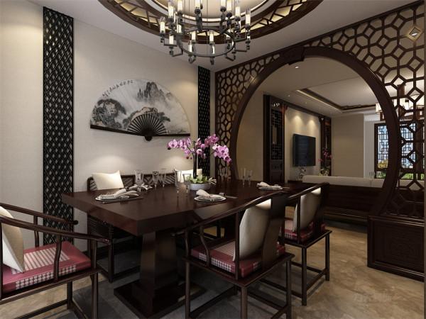 在客厅与餐厅相互连通,在餐厅与客厅之间增加了一个镂空隔断,这样就空间层次分明,功能区域分配的更加明显。