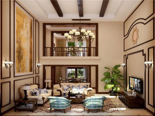 客厅朱红色的实木桌椅,朴素花纹的地毯,瞬间给人一种尊贵之感。