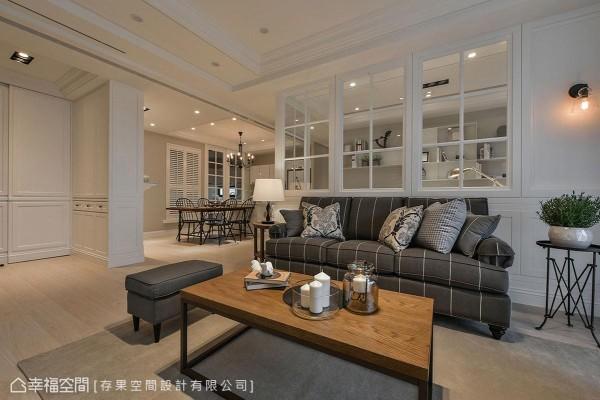 天花以些许的层次与线板,搭配柜体、立面的线板造型,围塑一室的美式况味。