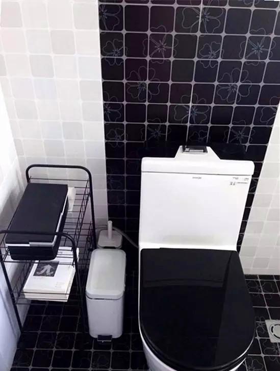 屋主把混搭进行到底,看着这个黑白分明的卫生间,你还能把这里和刚刚介绍的客厅主色调和主卧的空间设计联系在一起吗?