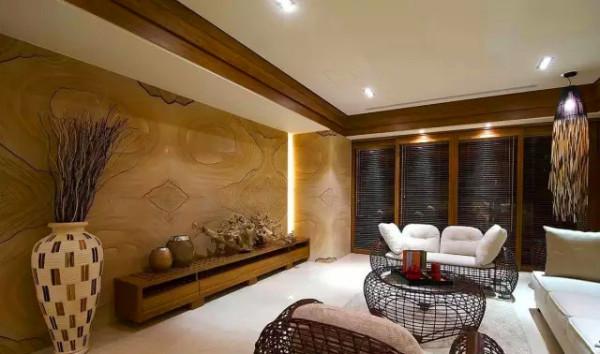客厅   带有树木年轮花纹的电视主墙,展现质朴的原始况味,为空间带来自然生命力。