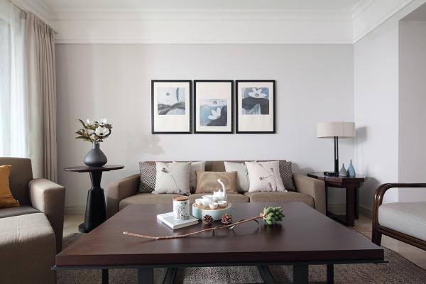 整个房子布局客厅比较小,加之客厅有承重梁,最后将沙发背景墙设计如上图