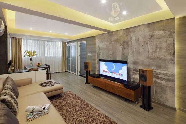 客厅梁比较多,用天花吊顶淡化,为了避免层高降低,过于压抑,客厅没有设计主灯,而是用可以隐藏于天花中的LED筒灯和灯带照明,使空间的结构设计与灯光氛围完美结合!