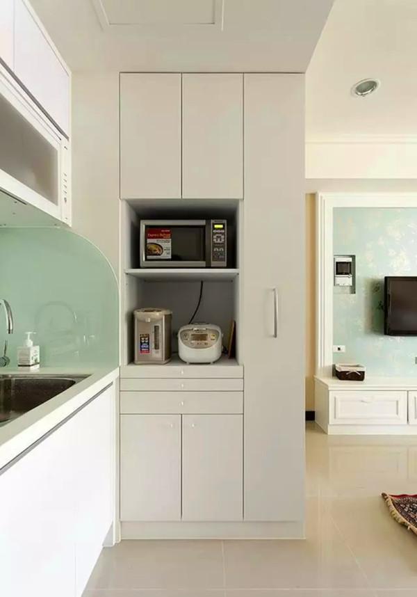 开放式的超小厨房;