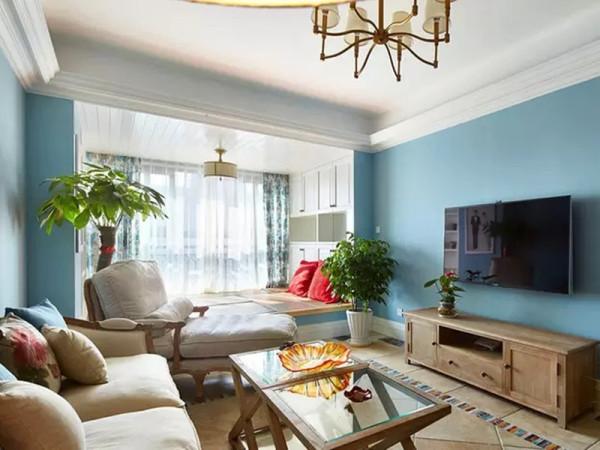 纠结了无数次的空间,最终还是决定了法式的风格,有些地中海的颜色,有些美式风格的家具,却以法式的元素,贯穿起这一切有着冲击力却又无懈可击。