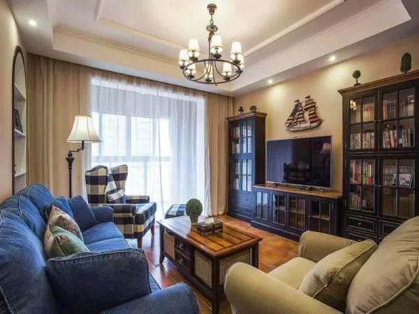 简洁明快的客厅,没有太多造作的修饰与约束,设计的重点是强调优雅的勾勒和舒适的设计。