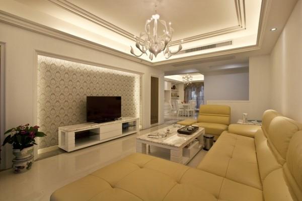 天鹅灯是在网上购买的,此案例重在硬装,例如吊顶、电视墙。
