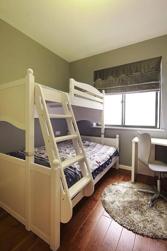 儿童房床上下铺