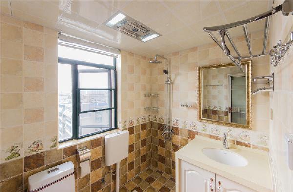 明亮的浴室让人去除疲倦。
