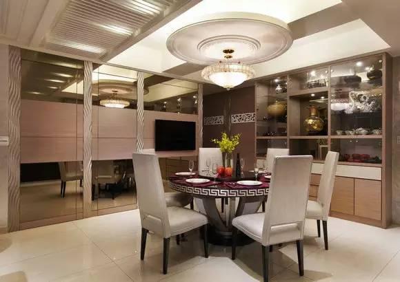 PART3:佛堂设计 装修TIPS:佛堂摆放明清时代的家具,增添古色古香的氛围。