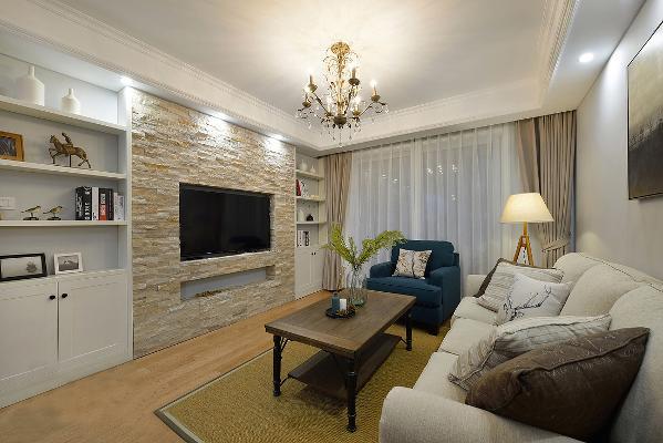 硬装墙面以涂料为主,配以简单的软装饰品,让整个空间简洁、清新中若隐、稳重、时尚!