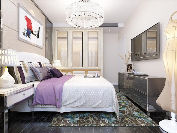 主卧室的窗体上放置了柜子,减少地上的空间,床还有书桌都为白色实木。视觉感及表现光与影的和谐。适合人群:想从繁忙工作中解脱出来,不愿花许多心思打理房间、享受简单生活的人。