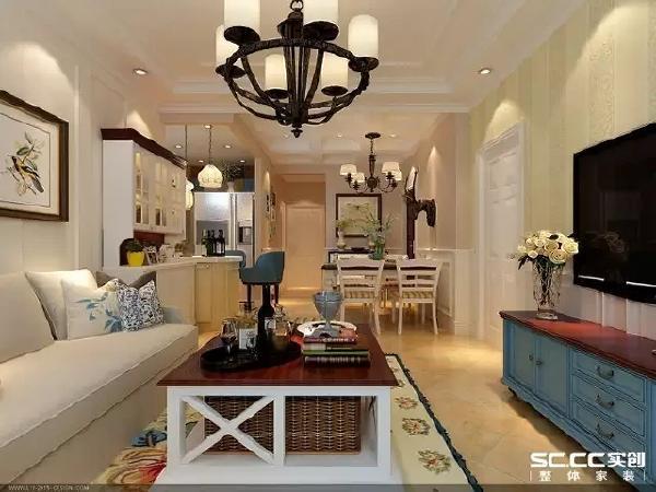 美式家具宽大、稳重,让客厅呈现充实感。