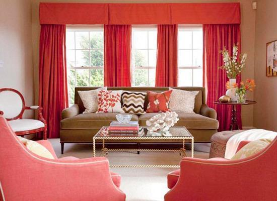 在婚房装修过程中最好是轻装修重装饰,含有有害物质的木材、胶水等尽量少用,减少新房子毒气污染。