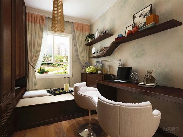 卧室铺设实木复合地板,与家具颜色整体照相呼应,拉伸了空间的整体格调。