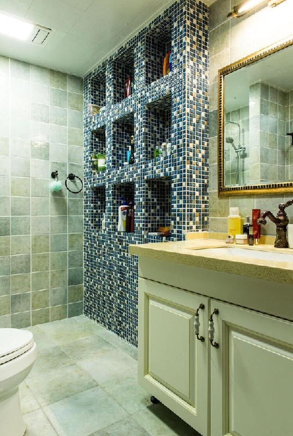 明亮的浴室让人去除疲倦