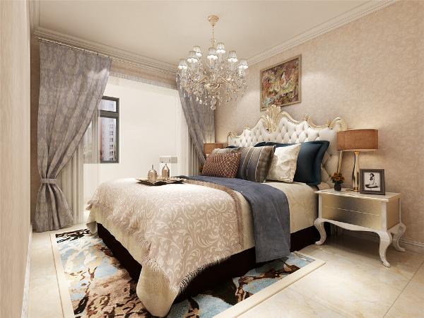 主卧室地面采用的也是地砖,主人喜欢我是铺砖。卧室墙面铺的是壁纸,床也是典型的欧式风格,搭配适当颜色的壁纸,让卧室充满了奢华,温馨的气氛,吊顶一圈角线,舍去了欧式复杂的造型,营造出温馨的居住环境。
