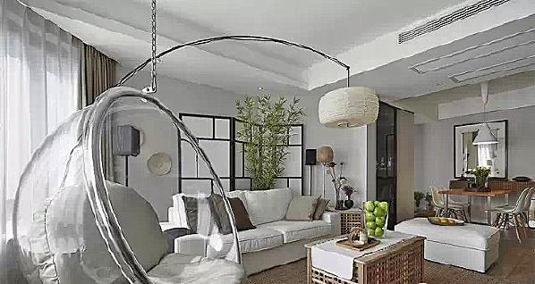 ▲ 客厅的吊椅是一大特色