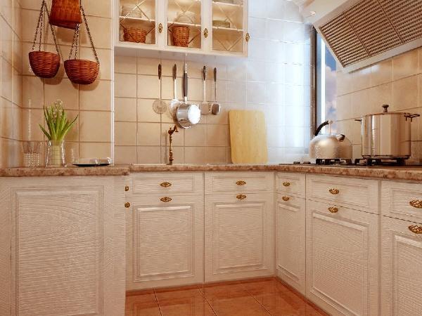 而对于琐碎物品较多的厨房,一定要利用好橱柜。橱柜内部设计是非常讲究的,因为厨房的东西特别多,从大到锅碗瓢盆,小到调味酱料,要想能整齐、统一地在厨房摆放好,橱柜的分区设计显得特别重要了。