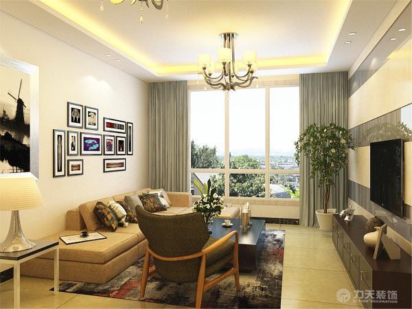 客厅简单的灰色背漆玻璃影视墙造型使整个空间看起来更加开阔,沙发墙使用的白色乳胶漆,用几幅画点缀一下整个墙面,客厅地面通铺800*800的米黄色地砖,吊顶为回字型吊顶,使空间很简洁、大方,富有节奏韵律。