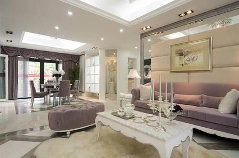 客厅以白色为主,搭配藕荷色调的家具,电视背景墙、地砖、沙发和窗帘起到点睛之