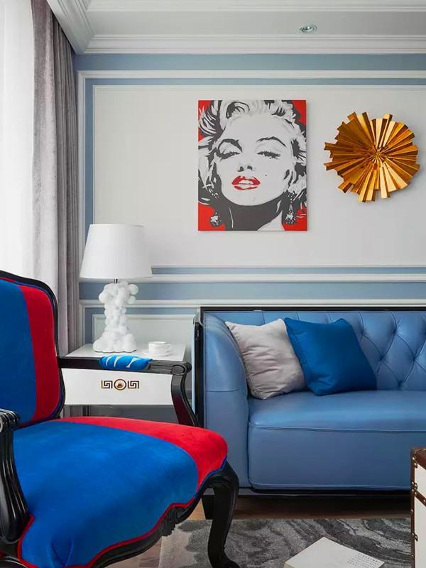 蓝白椅子.