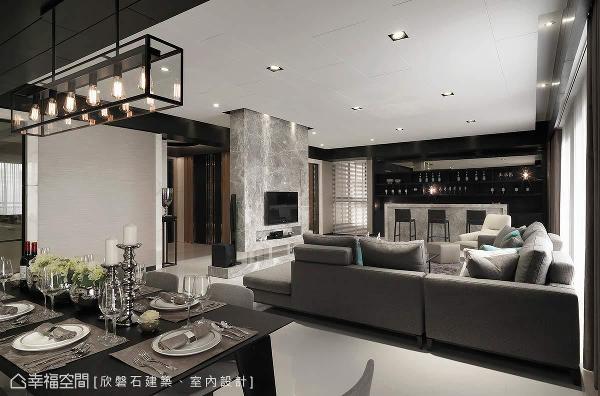 罗仕哲设计师以「简而文」精髓论,打造出宅邸的人文价值,雕琢出更为精致、纯粹的生活态度。