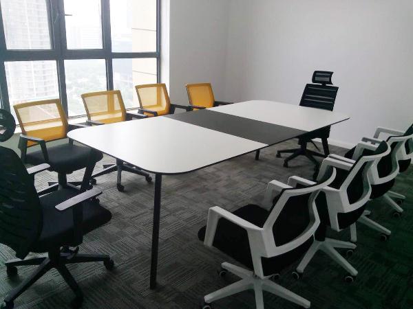 多鱼网络科技会议桌椅,简约时尚