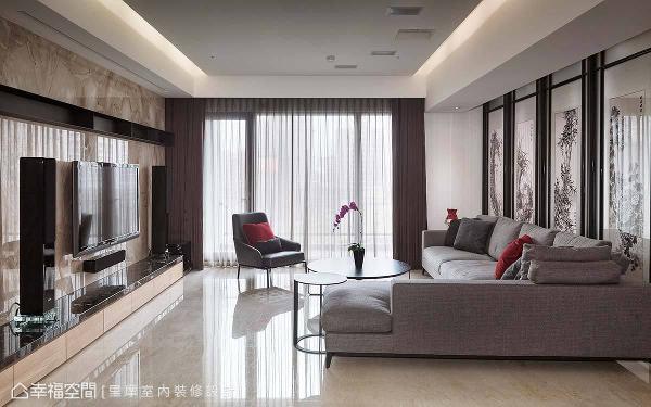设计师谢雅蓉设计师为屋主编织美好的东方意象,并结合电视墙的石材与铁件,构组襟怀合并的新空间概念。