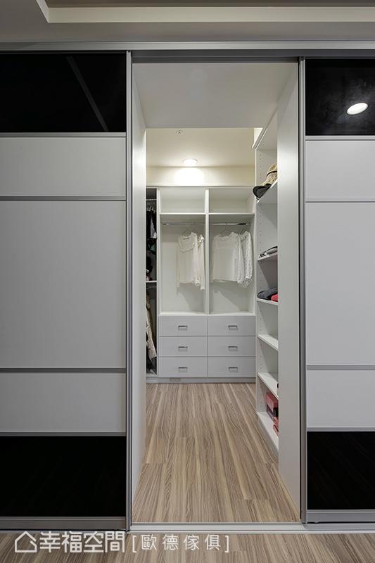 木作地坪与洁白的色系持续蔓延至更衣室,简约、清爽的氛围弥漫空间每一处。