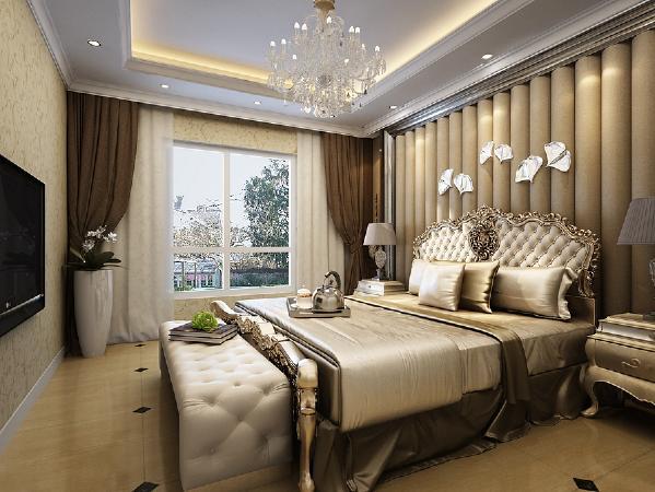 卧室也遵循整体居室的设计风格,床头的墙面采用满铺的软包装饰,突显出墙面的立体感,软包上内挂银色的装饰品,为整体卧室增添一丝亮色。整体空间以温馨大方为主,再配以窗帘作为点缀,体现简介温馨的居住空间。