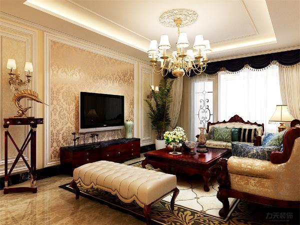在电视背景墙的装饰上,我们采用了大马士革壁纸和石膏线装饰背景墙,表现了一种清新气息感,沙发采用碎花的图案造型,加褐色地毯让整个空间出现了亮点。