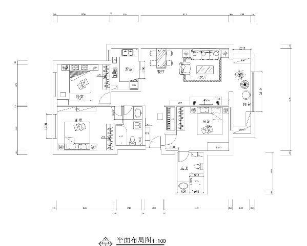 平面布置图 在针对这个房间的设计规划上,卧室房间比较规矩,只是客厅空间如果放置钢琴的话略显拥挤,而且从规划上不是很好看