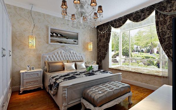 主卧室:此房间为父母的居住空间,所以整体的装饰和色调稳重大气。