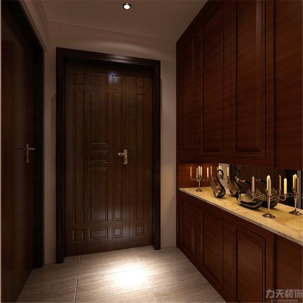 本案为天房天拖,本例户型为三室两厅一厨两卫的户型,使用面积为135㎡。本方案以中式风格为主题。