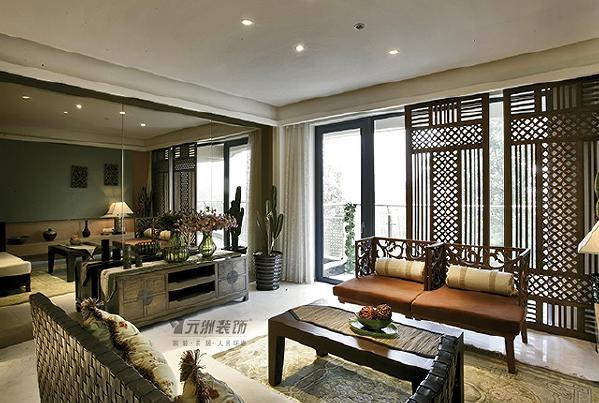 总体造型、装饰、家具配饰等方面的设计上均以东南亚风格为主,并在其中融合了中式元素,达到中西文化的自然揉合渗透。