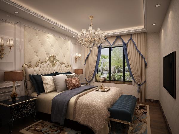 床头软包沿用沙发背景墙的设计,壁纸材料沿用客厅壁纸材料,枝形吊灯沿用客厅吊灯风格,三种元素的重复使用使空间统一,配合欧式家具,为了避免过于浮华,在窗帘布艺的选择上尽量简化。
