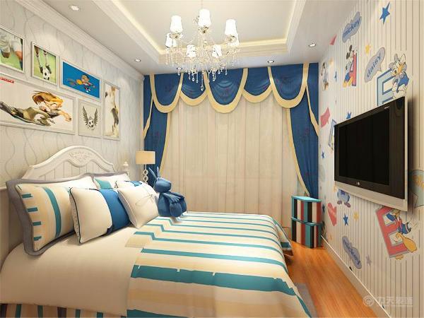 卧室区域,地板选择了强化复合地板,美观'耐磨,整个空间多选用的木质材料,包括衣柜'床头柜、电视柜以及床背景墙。在床的背景墙中央挂了三幅具有中国风格的装饰画,起到画龙点睛的作用。