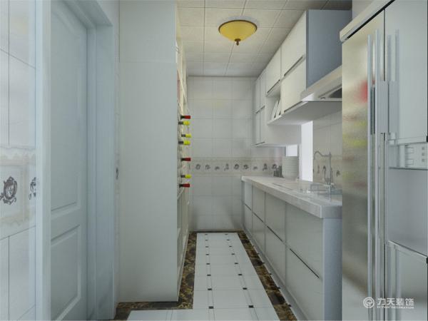 主卧室没有主光源,用灯带以及射灯来体现卧室的亮度,床的背景墙则以简洁的壁画为主,干净利索。厨房的设置一简洁的白色为主,没有丝毫的杂色,利索的吊灯为厨房带来了温暖。